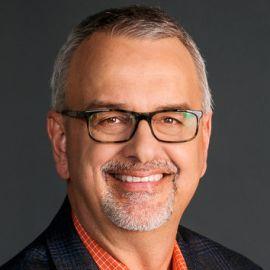 Dennis Brouwer Headshot