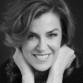 Janine Shepherd Headshot