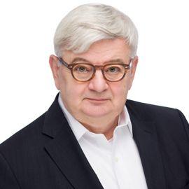 Joschka Fischer Headshot