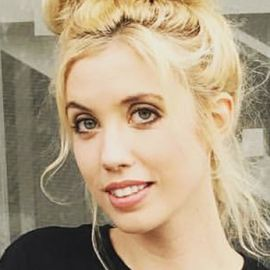 Laura Clery Headshot