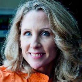 Karen Hanrahan Headshot