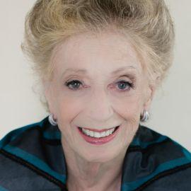 Roberta Sandenbergh Headshot