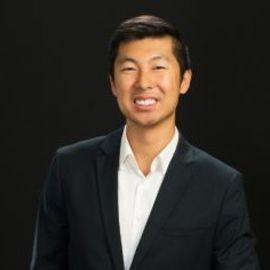 Dan Wu Headshot