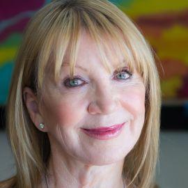 Linda Smith Headshot