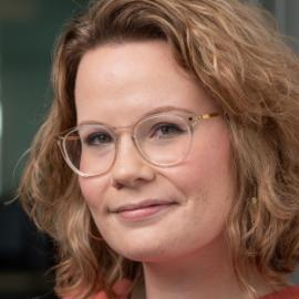 Sara-Jane Dunn Headshot