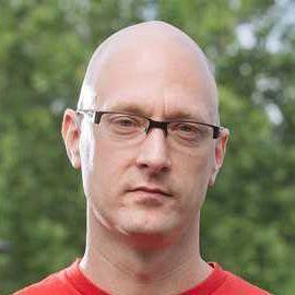 Dr. Charlie Miller Headshot