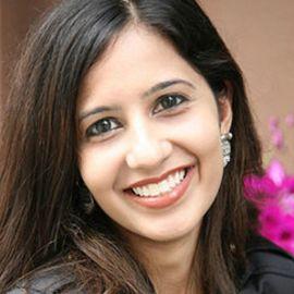 Roshni Mahtani Headshot