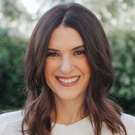 Rebecca Serle Headshot