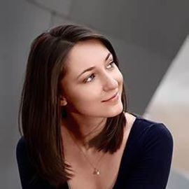 Sonya Belousova Headshot