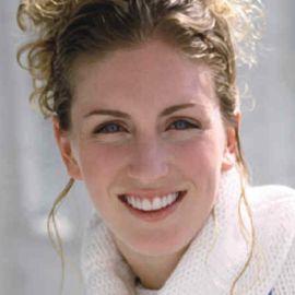 Laura Wilkinson Headshot