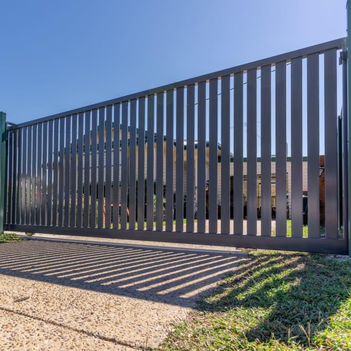 Powder Coated Aluminium Fencing and Sliding Gate