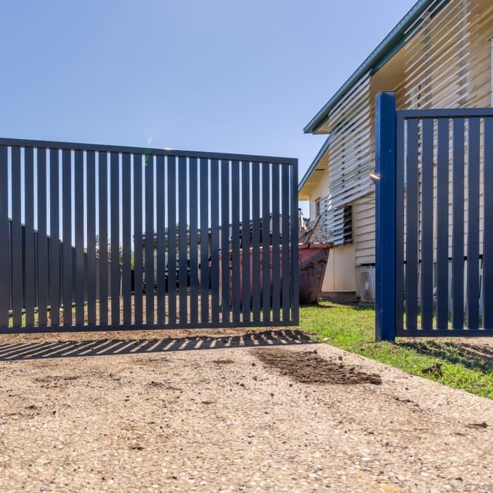 Powder Coated Aluminium Fencing and Swing Gate