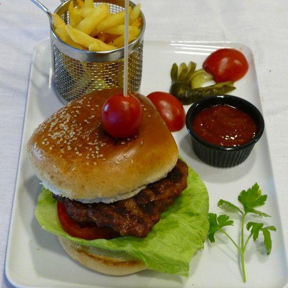 102. Klasik Burger
