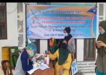 Satu dari 35 kelurahan di Tebing Tinggi dilakukan rapid tes (ANTARA/Dhani)