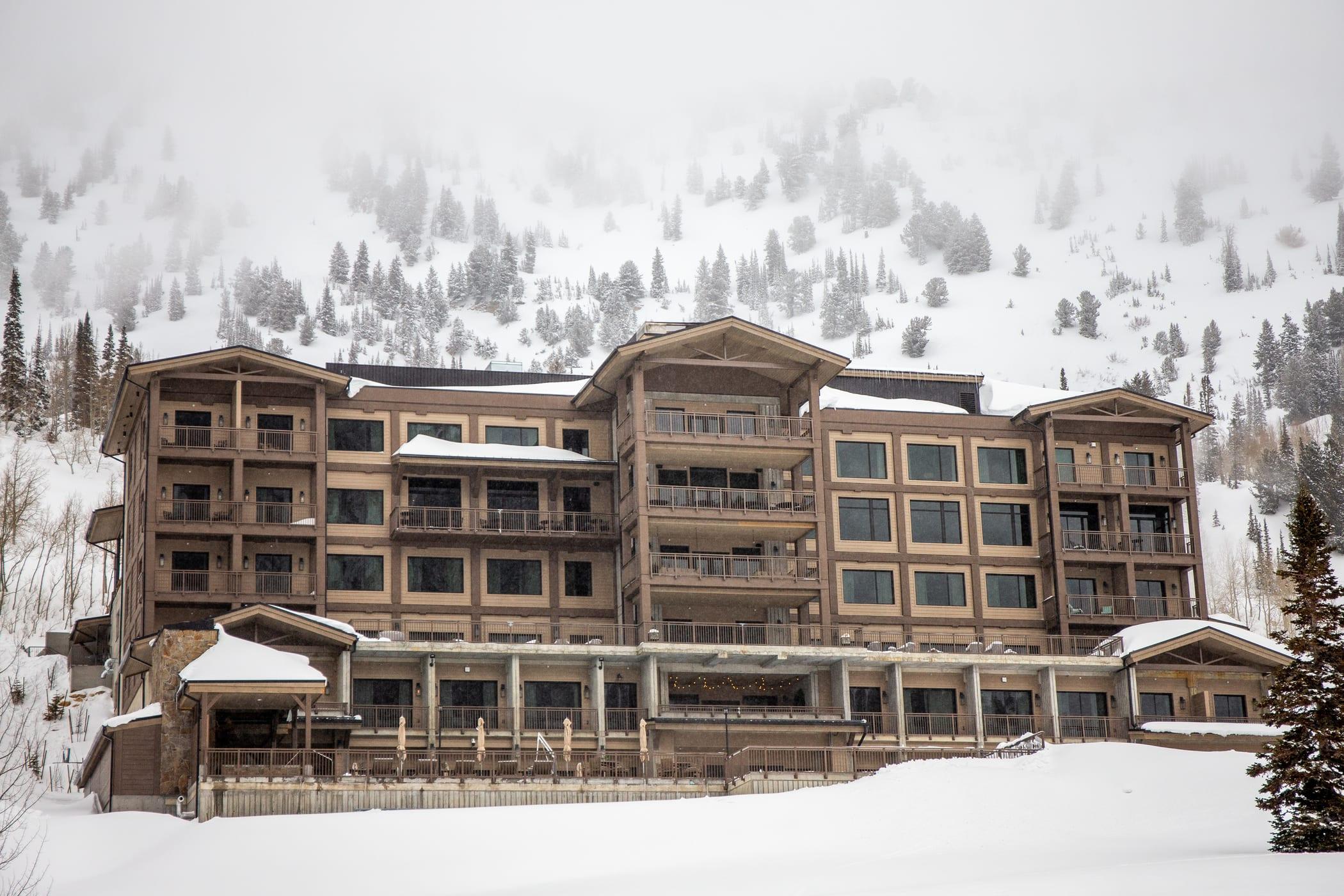 Snowpine Lodge exterior
