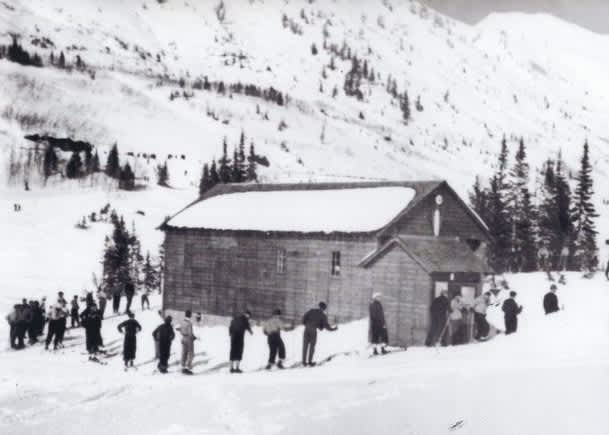 Black and white photo of the Collins lift line circa 1939