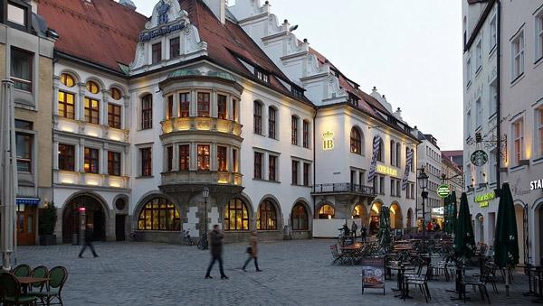 München Platzl 9 Hofbräuhaus BW 2017-03-13 19-12-27