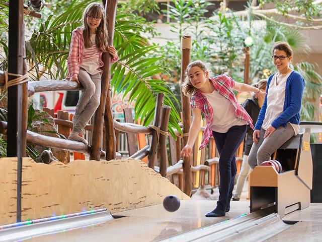באולינג לילדים בסנטר פארקס.jpg