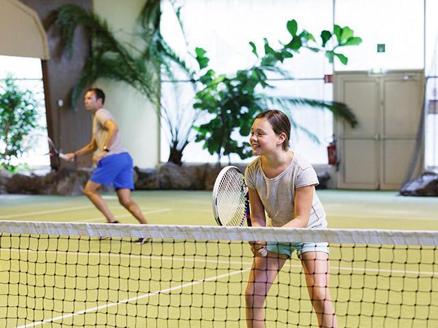 טניס מקורה בסנטר פארקס