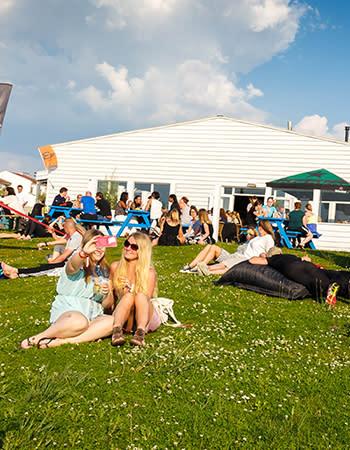 מסעדה בכפרי הנופש הולנד ובלגיה Beachclub