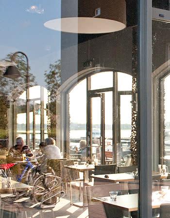 מסעדה בכפרי הנופש הולנד ובלגיה Brasserie Zuiderzoet