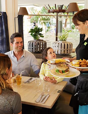 מסעדה בכפרי נופש בצרפת cocoon.jpg