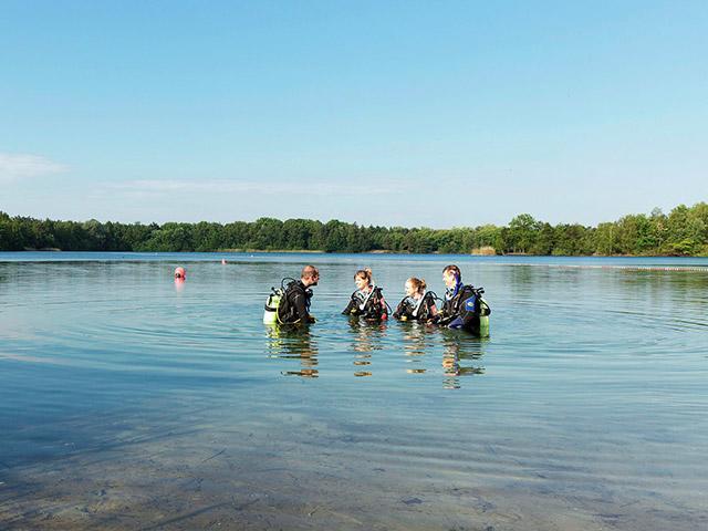 צלילה באגם בסנטר פארקס.jpg