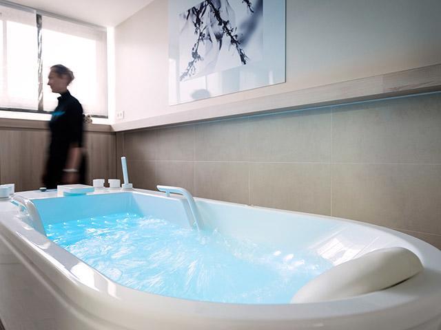 תרפיית אמבטיה בסנטר פארקס