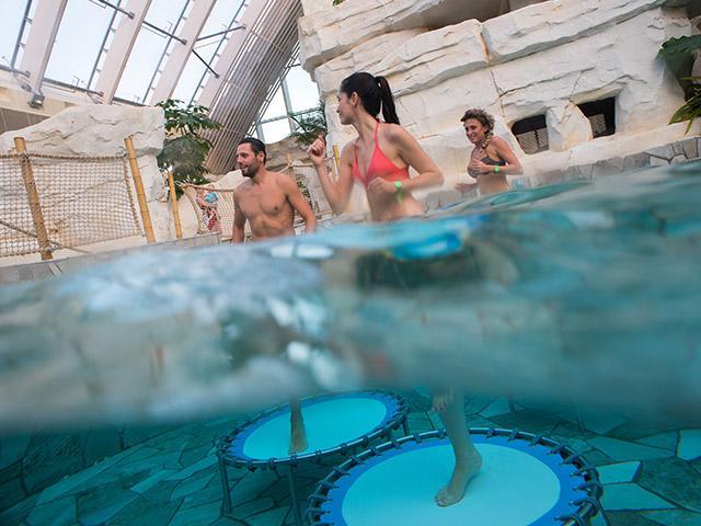 Aqua Jump בסנטר פארקס