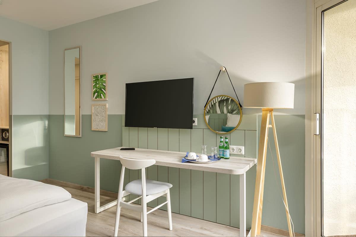 חדר במלון מחודש ל 2 אנשים בכפר הנופש ביספינגר היידה – 1