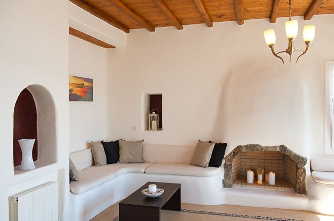 Agios Beach House