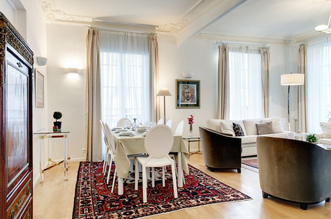 Palais Royal Cozy Apartment