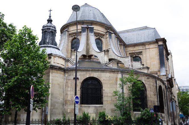 Notre Dame Elegant Flat