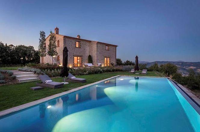 Perugia Manor House