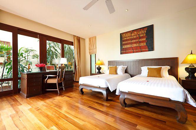 Beachfront Thai Spacious Villa