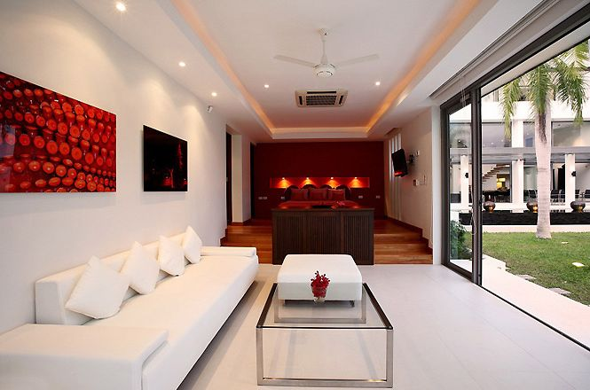 Stylish Oceanfront Asian Villa