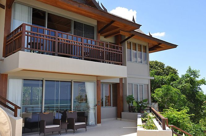 Spacious Hillside Asian Villa