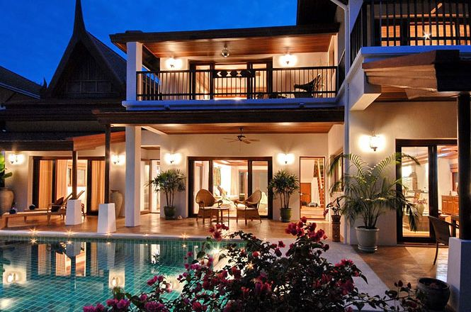 HIgh end Beach Resort Villa
