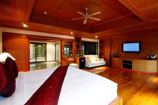 Patong Hill Luxury Villa