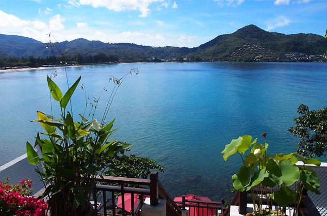 Spectacular Bayview Villa