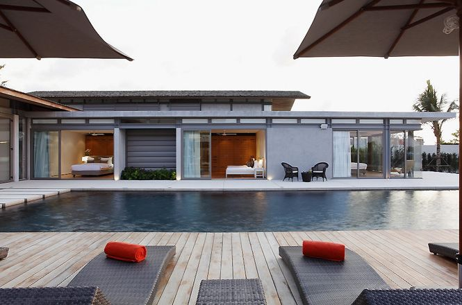 Seafront Contemporary Villa