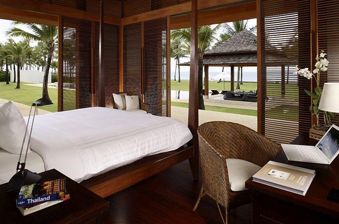 Luxurious Beachfront Villa
