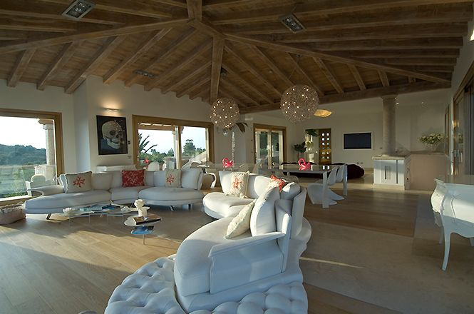 Luxury Villa Puntaldia