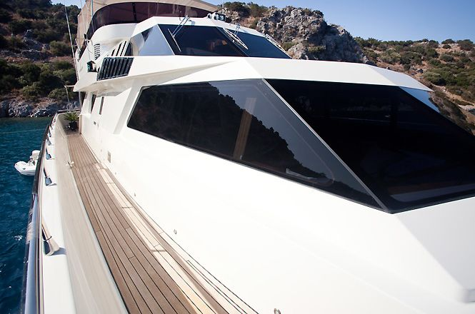 Deluxe Private Yacht