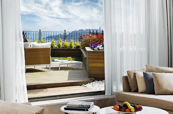 Bosphorus Pearl Suite