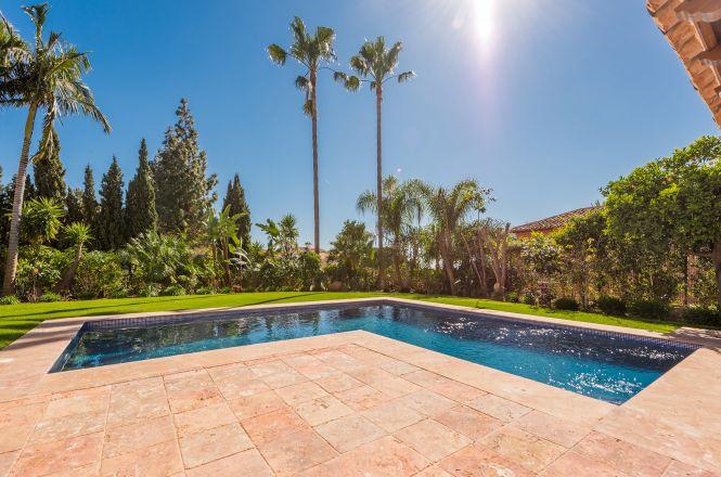 Nagueles Luxury Villa
