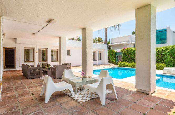 Puerto Banus White Villa