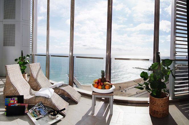 Spectacular Seaview Penthouse