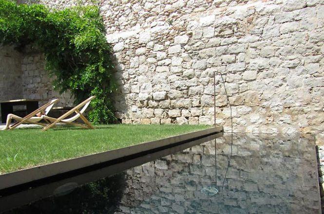 Girona City Pool House