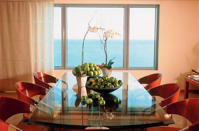 Luxury Seaside Apartment